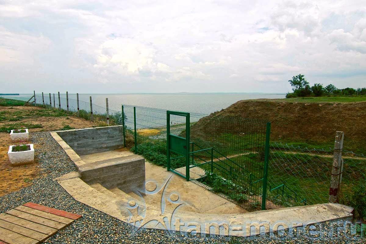Кемпинг на черном море в Тамани «Место под солнцем» (автокемпинг)