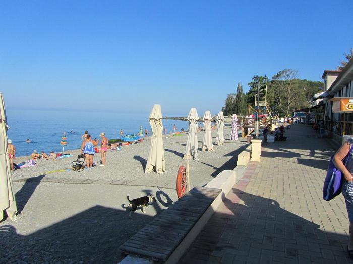 центральный пляж Вардане
