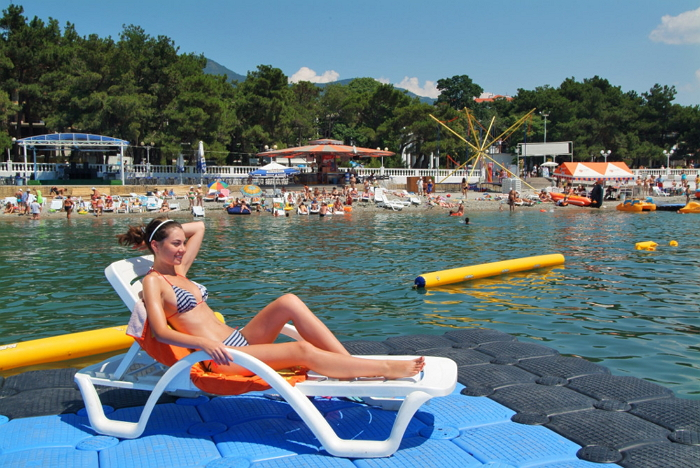 Пляж отеля «Приморье»