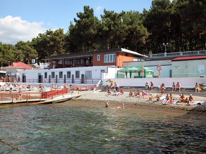 Пляж санатория «Эдельвейс»