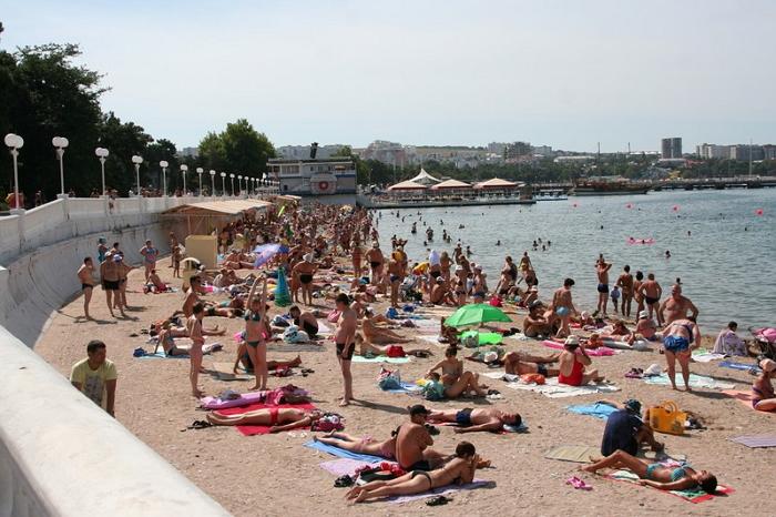 пляж песчаное дно геленджик