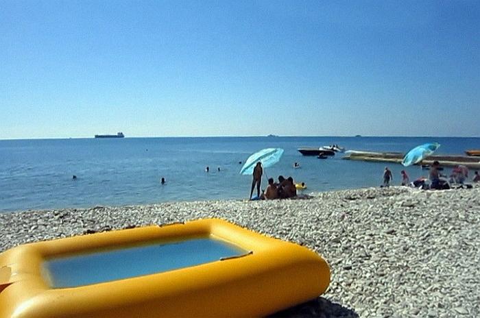 центральный пляж дедеркой