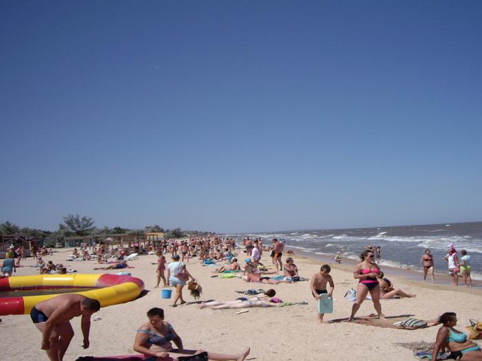 «Центральный» пляж в Кучугурах1